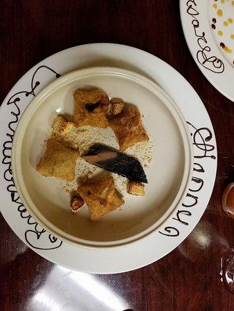 Fotis Restaurant: Crispy Camp Fire Smore Empanadas served with smoking Cedar Wood