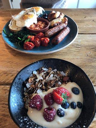 Bottle & Thyme: Breakfast... Full veggie.