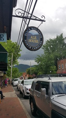 Black Mountain Ale House Image