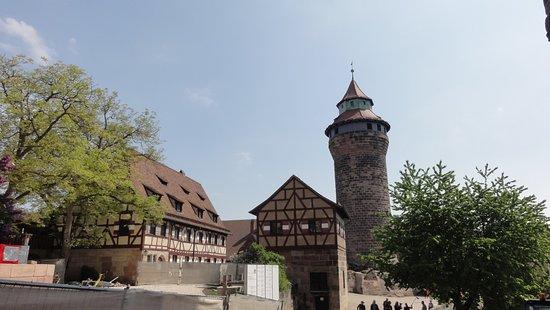 Kaiserburg Nurnberg: Budynki zamku