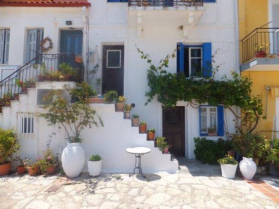 Zozefina Apartments: Old Parga