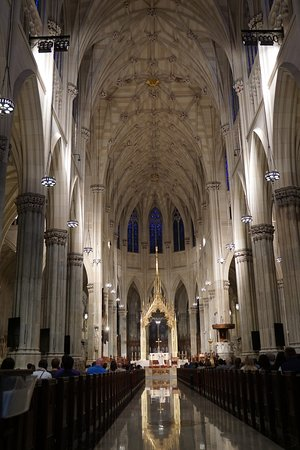 St. Patrick's Cathedral: Be respectful but security told me it was okay to take photos during service