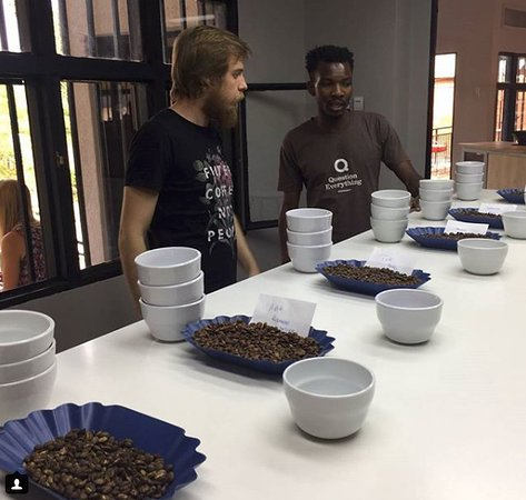 Question Coffee Bar: Travelers get a tasting tour (master class) in our lab