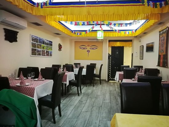 Everest Tandoori Nepali-Indian Restaurant Photo