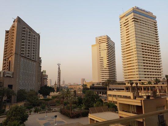 Pyramisa Suites Hotel: In direzione della Cairo Tower