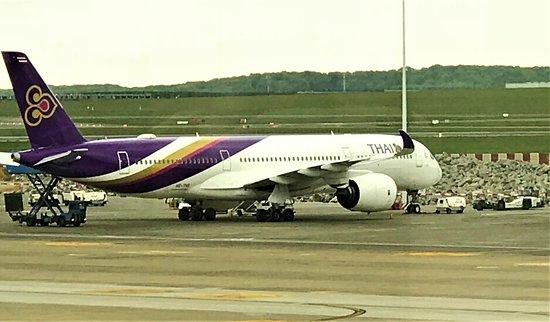 Thai Airways: while waited to board