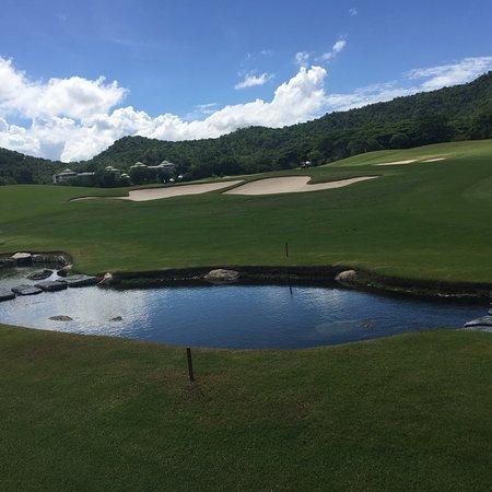 แบล็ค เมาน์เทน กอล์ฟคลับ: Black Mountain Golf Club