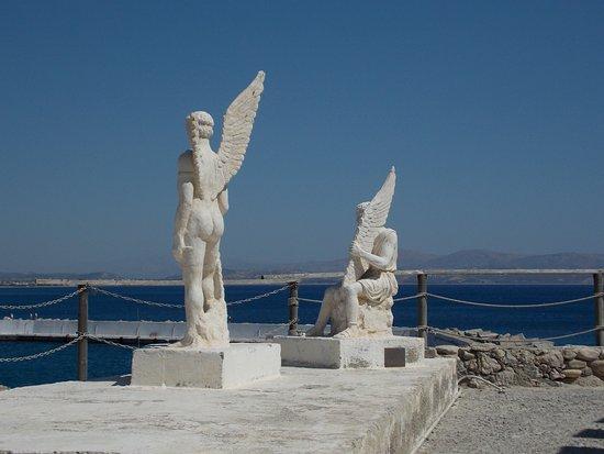 Icaros & Daedalus Statues: Ikarus und Dädalus
