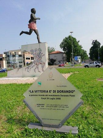 Foto de La Vittoria e di Dorando - Monumento a Dorando Pietri