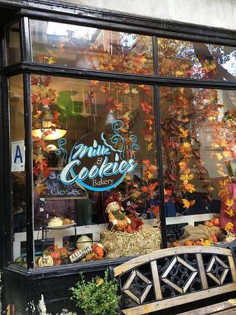 Foods of New York Tours: The best cookies!!!