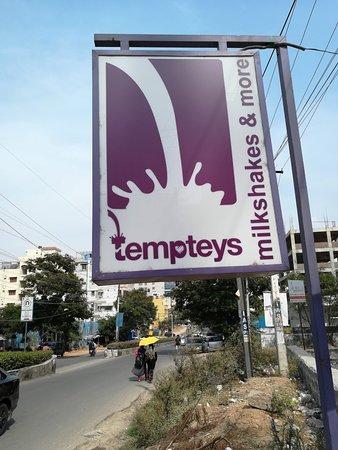 Tempteys : Signage