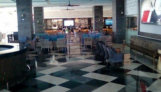Panama Jack Resorts Cancun : hotel lobby