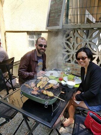 Le Domaine des Bords de Marne: Barbecue en terrasse