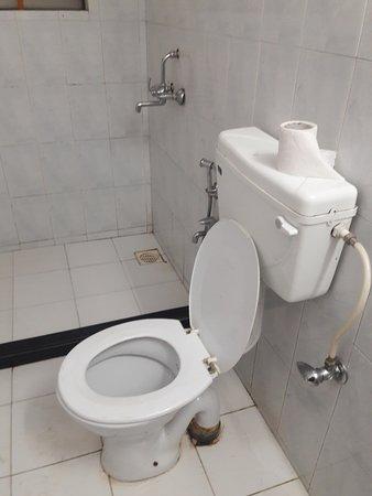 ลา กุล คอร์ท: look at the quality of Bathrooms.