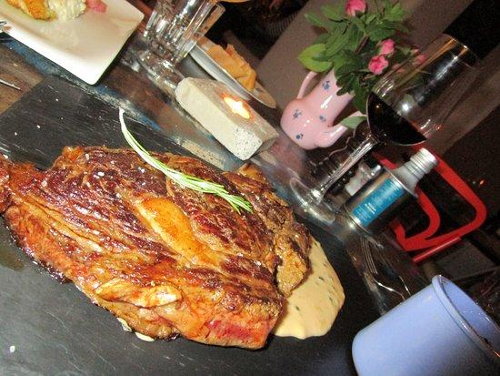 Molleges, França: Entrecôte sauce poivre..