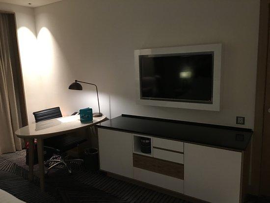 Amari Johor Bahru: Nice and spacious working desk
