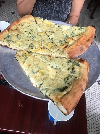Artichoke Pizza Wedges , Picture of Artichoke Basille\u0027s