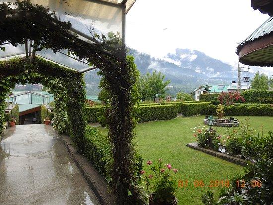 White Meadows - Manali: Inside the resort