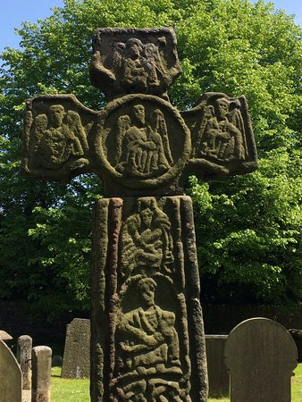Eyam Parish Church of St Lawrence : Anglo-Saxon cross