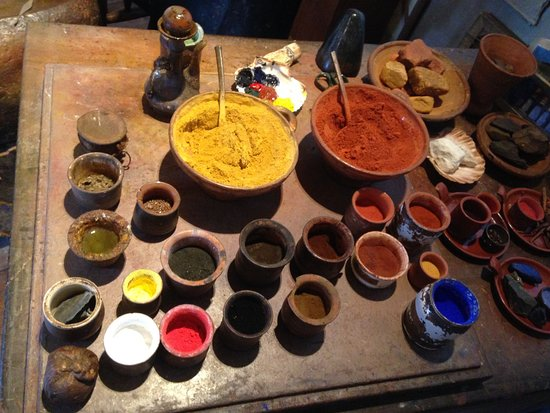Museum Het Rembrandthuis (Rembrandt House): Raw pigments used to create paints in Rembrandt's studio