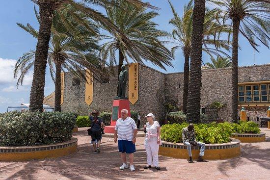 Otrobanda: Rif Fort a 10 minute walk from the Cruise Pier.