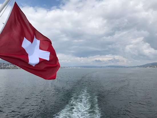 Lake Zurich: Heading home to the Zurich Dock.