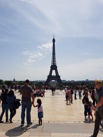 หอไอเฟ่ล: Eiffel Tower: from Trocadero