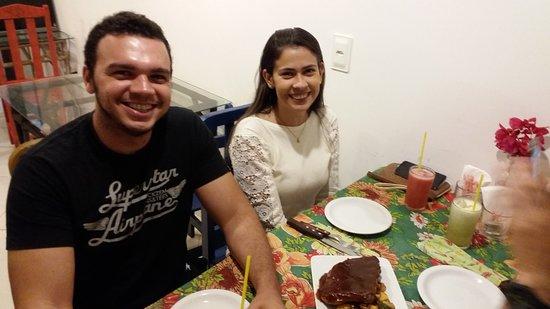 Nifu-Nifa Spanish Steakhouse: Clientes fieis a nossa fanfastica costela BBQ.