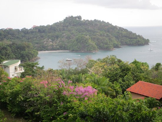 Tulemar Bungalows & Villas: View of our private beach from our balcony