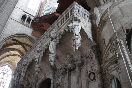 Cathedrale St-Etienne: Detail du porche intérieur
