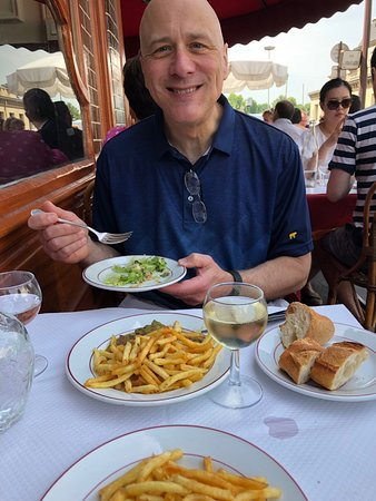 Le Relais de Venise: Delicious salad as well!