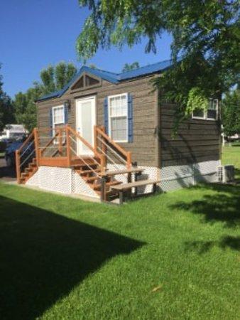 Premier RV Resort at Granite Lake: Cabin