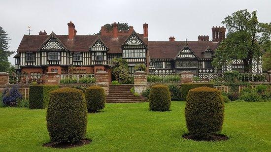 Wightwick Manor and Gardens ภาพถ่าย