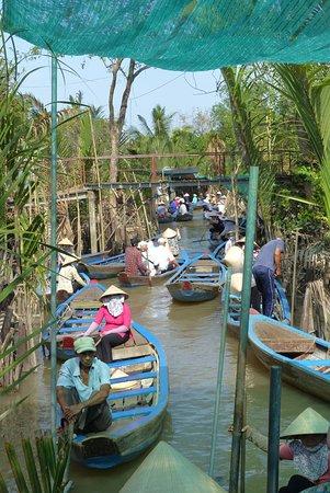 Mekong Delta rondvaart: Sampans along the Irrigation Canal