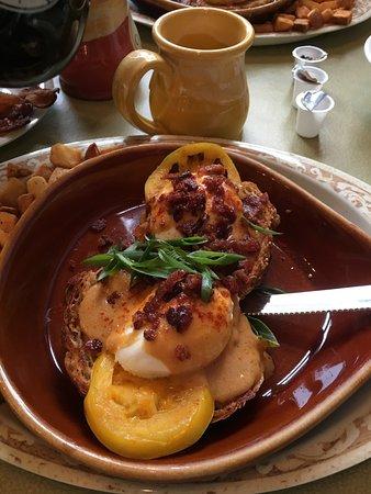 Another Broken Egg Cafe: Eggs Benedict