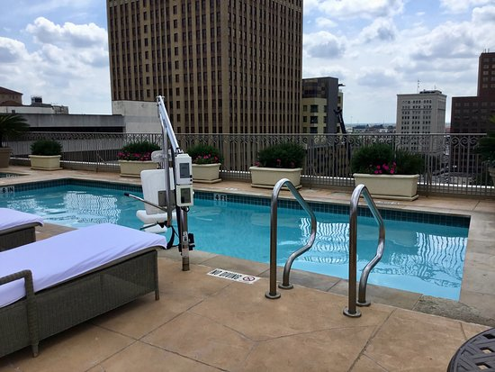 Mokara Hotel and Spa: The roof top pool