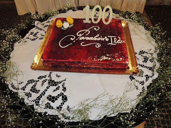 O Truao: Der Kuchen war mit Erdbeeren ... einfach alles Wahnsinnig