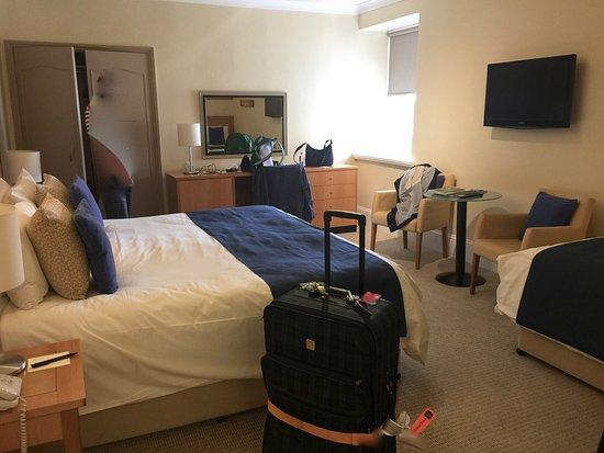 Hotel de France: Schönes Zimmer mit gutem Bett und ordentlichen Kissen