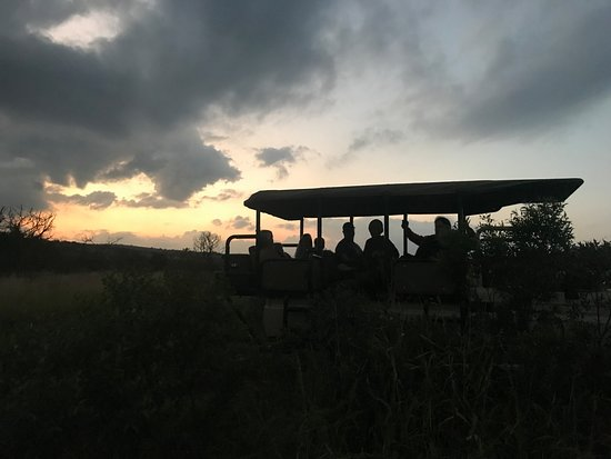 Zebra Hills Safari Lodge: Sundowners on the game drive