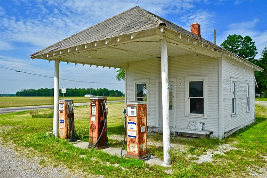 Country Inn & Suites by Radisson, Marion, OH: Old gas station near the hotel.