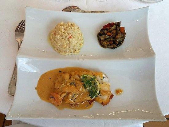 Restaurant de l'Hôtel Joly: Hotel Joly: dos de cabillaud sauce crustacés
