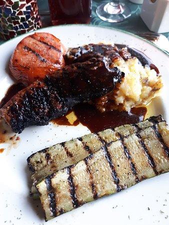 Adventure Lodge: Steak dinner
