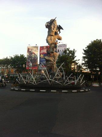 Bird's Nest Statue: Tugu Walet/Lawet/Bird's Nest Statue