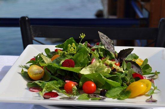 Esperia Restaurant : Organic salad.....masterpiece...