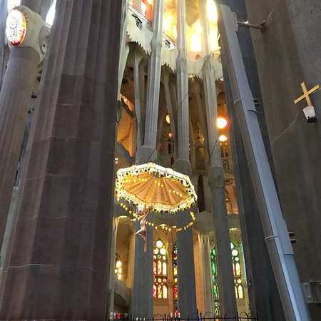 De Sagrada Família: Vitraux en camaïeu