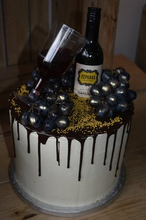 Pureknead : Cakes to suit all occasions