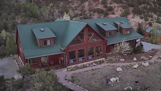 Buena Vista Riverside Lodge: Front