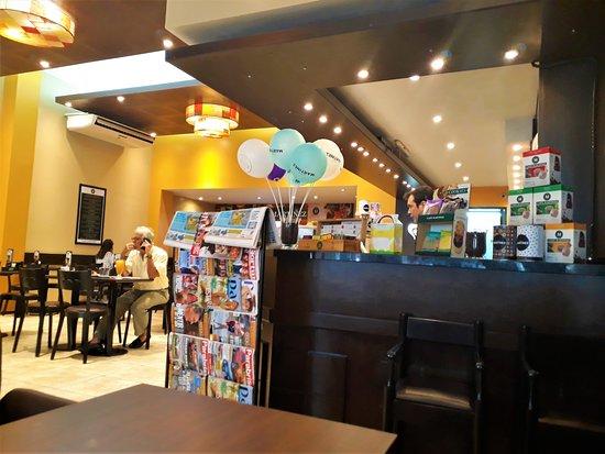Cafe Martinez: The corner