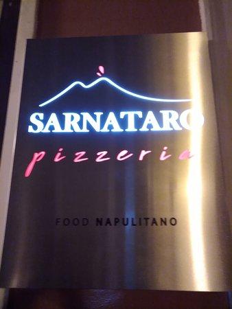 Pizzeria Sarnataro: food napulitano!