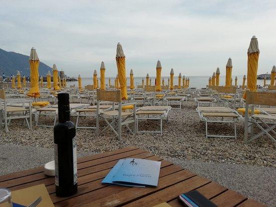 Bagni Marina Ristorante: Tavolo in spiaggia
